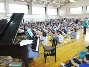 音楽集会ピアノ